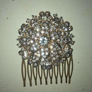 Accessories - Gold hair clip